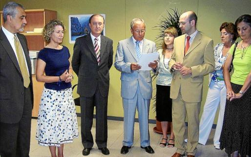 Imagen de la inauguración de la oficina de atención a víctimas de sa Gerreria en el año 2006.
