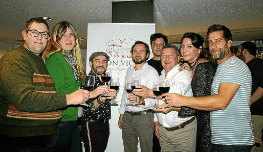 Pep Lluís Salamanca, la enóloga Sara Martinez, Antonio Lorenzo, Fernando Sampol, Nico Lettieri, Joan Mateu, Carolina Ferragut y Alex López.