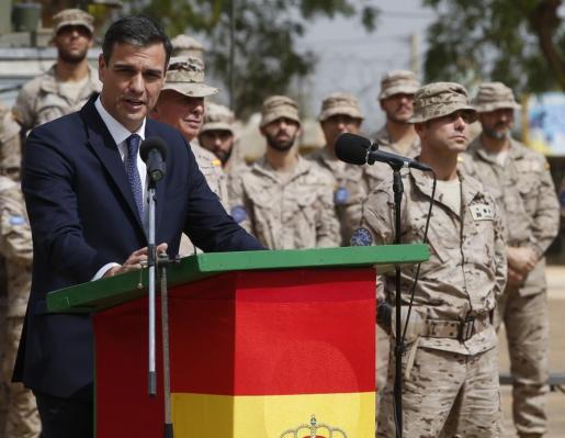 El presidente del Gobierno español, Pedro Sánchez, a su llegada a Mali, pasará a cobrar 82.978,56 euros al año.
