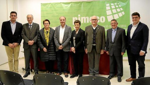 Xisco Martorell, Pedro Comas, Margalida Tous, Antoni Fuster, Carmen Serra, Jaume Rivera, Luis Anaya y Pep Noguera posaron al finalizar el acto.