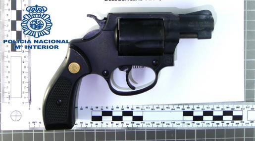 Esta es la pistola de fogueo incautada en Manacor.