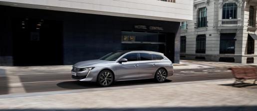 Sólo unos meses después de la presentación de su nueva berlina radical, Peugeot revela la versión SW del nuevo Peugeot 508, que supone un cambio profundo y que revoluciona los códigos de un mercado tan reñido como el de los breaks del segmento D