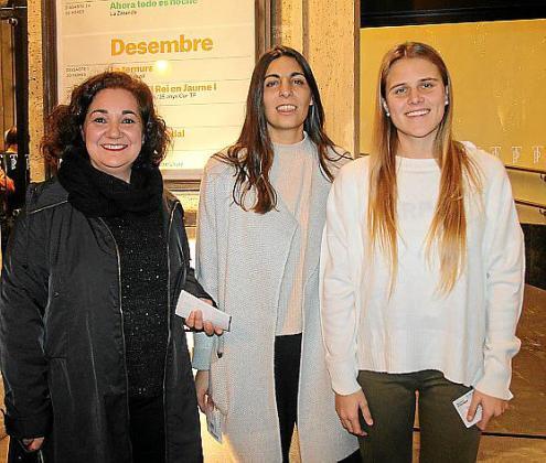 Magdalena Molina, Maria Aina y Francina Bibiloni.