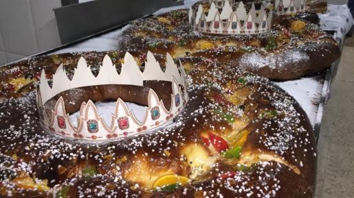 El Roscón de Reyes es típico de todas las comidas el 6 de enero.