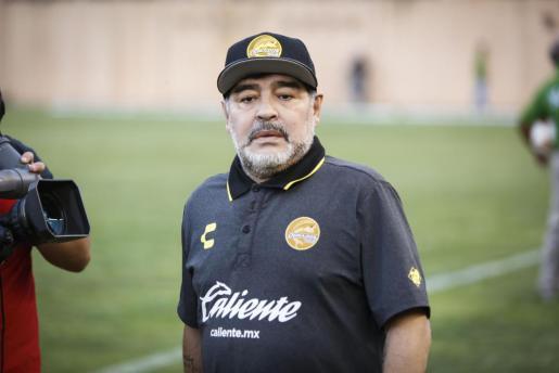 Fotografía de archivo del 22 de septiembre de 2018, muestra al entrenador de los Dorados de Sinaloa, el argentino Diego Armando Maradona, durante un partido contra Alebrijes de Oaxaca.