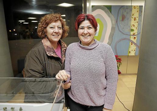 María del Carmen Costa (izquierda) junto a María del Carmen Moreno.