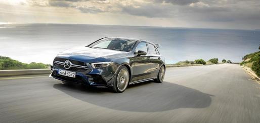 Mercedes-AMG presenta el A 35 4MATIC, un modelo sugestivo, ágil y digital completamente nuevo que permite a las nuevas generaciones acceder al atractivo mundo de la Driving Performance