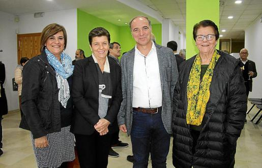 Fina González, Carmen Serra, Antoni Fuster y Margalida Tous.
