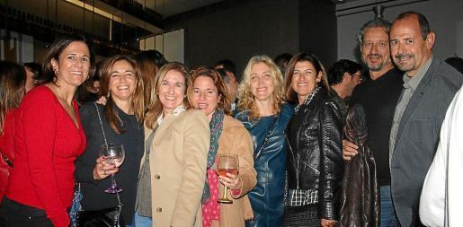 María José Bauzá, Marga Peralta, Mónica Iriondo, Monsina Rosselló, Aina Pastor, Silvia Piris, Fernando Leclerc y Pedro Perelló.