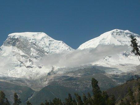 El grupo trataba de subir a una zona en la región Ancash, en el centro de Perú.
