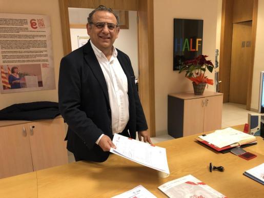 El alcalde de Calvià, Alfonso Rodríguez, presentando su precandidatura para la candidatura del PSOE en el municipio.