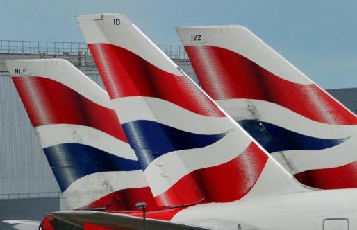 Imagen de aviones en el aeropuerto británico de Heathrow.