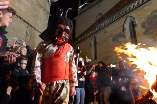 El Dimoni Gros de Manacor en las fiestas de Sant Antoni.
