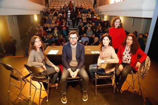 Imagen de la audiencia pública de Cort, celebrada este miércoles en el teatro Mar i Terra.