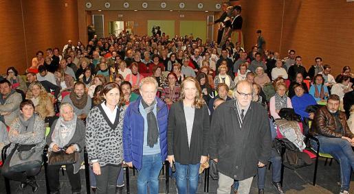 Paula Serra, Mateu Puigrós, Elisabeth Moll y Andreu Manresa en el estreno en el Espai 36.