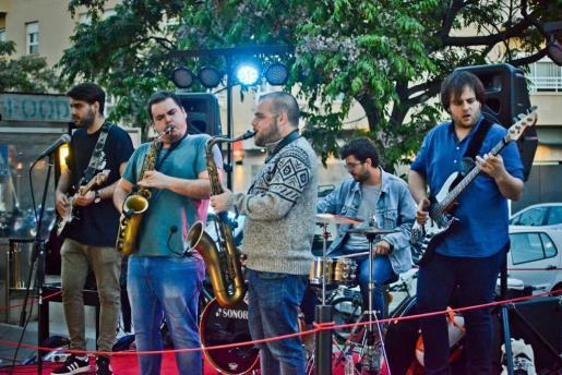 El Saxophobia Funk Project recala en el Blue Jazz Club de Palma para ofrecer un concierto de acid funk jazz.