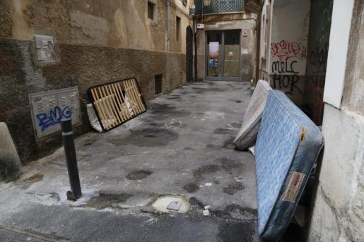 El año pasado unas 188 personas dormían a diario en alguna calle de Palma.