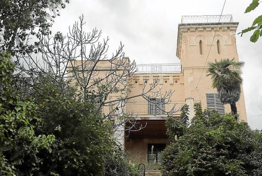 La torre de Villa Antonia está concebida para divisar la bahía.