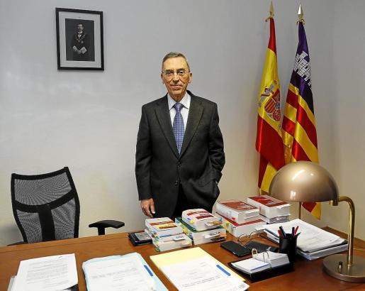 Antoni Montserrat, magistrado de la Sala de lo civil y lo penal se jubila.