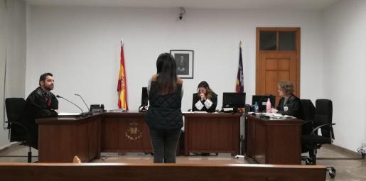 La mujer, este jueves en un juzgado de Vía Alemania.