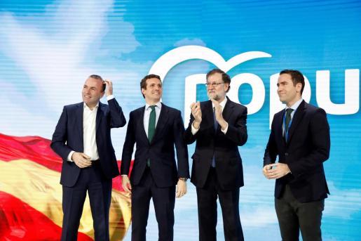 El expresidente del gobierno Mariano Rajoy, el presidente del PP Pablo Casado y el secratrio general del PP Teodoro García Egea, en la inauguración de la convención del Partido Popular.