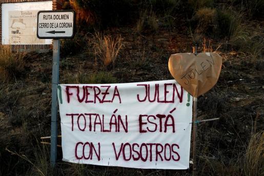 Las muestras de apoyo al pequeño Julen, el niño que cayó a un pozo de Málaga, no han cesado desde que se conociera la noticia.