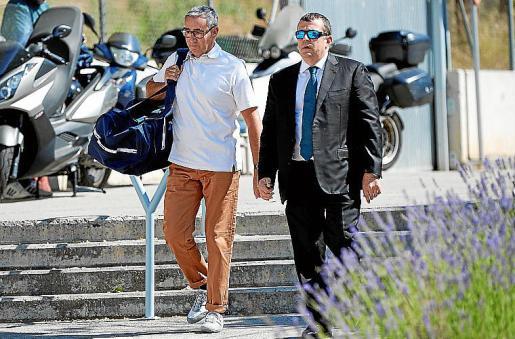 Diego Torres, a la izquierda, ingresó en una cárcel de Barcelona en junio.