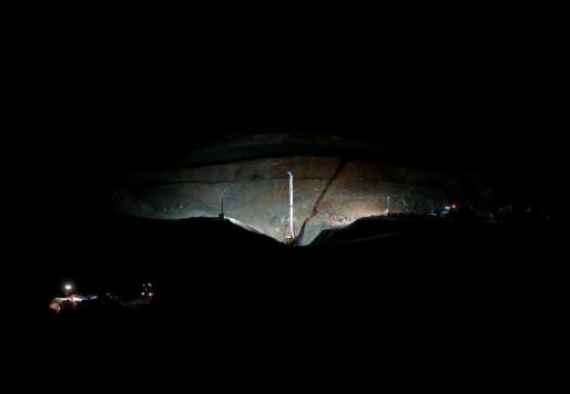 Durante toda la noche, los rescatadores han estado trabajando en la perforación del túnel paralelo al pozo que cayó Julen.