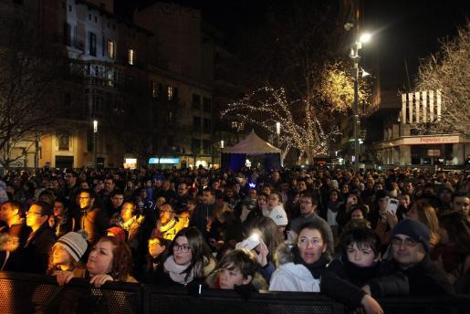 Más de 30.000 personas disfrutaron de los conciertos en las plazas.