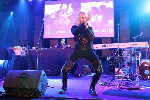 Brisa Fenoy, durante su actuación en Jacint Verdaguer.