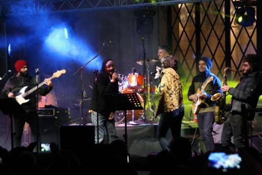 Nayla Yenkins & The Funkers, durante su actuación.