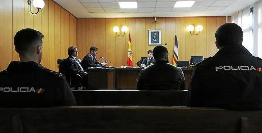 Uno de los acusados, en el juicio que tuvo lugar en una sala de Vía Alemania.