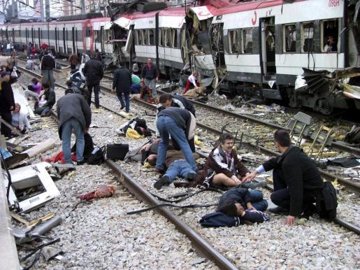 Imagen tomada tras los atentados en los trenes el 11-M en Madrid.