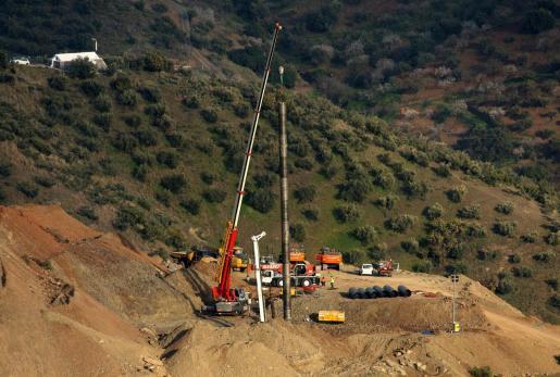 Continúan los trabajos del rescate de Julen, el niño de dos años que cayó el pasado domingo día 13 a un profundo y estrecho pozo en la localidad de Totalán (Málaga).