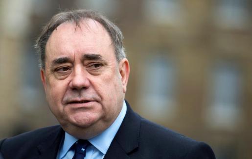 Fotografía de archivo tomada el 27 de abril de 2017 que muestra al ex ministro principal de Escocia Alex Salmond en Londres (Reino Unido).