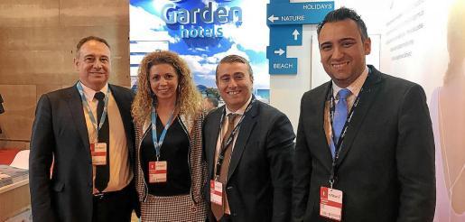 Los vicepresidentes de Garden Hotels, Gabriel Llobera y Magdalena Ramis, recibieron la visita del alcalde de Inca, Virgilio Moreno, y el regidor de Turismo, Jaume Tortella.