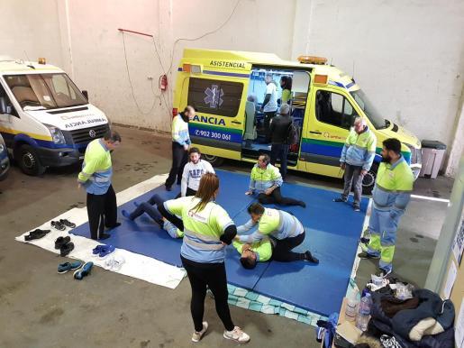 Los sanitarios recibieron formación específica de actuación en ambulancias.