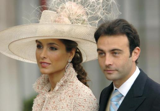 Enrique Ponce y Paloma Cuevas, en una imagen de archivo.