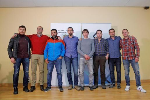Los ocho integrantes de la Bigrada de Salvamento que participaron en el rescate del pequeño Julen.