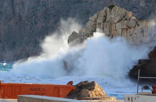 La Aemet ha advertido de que esta madrugada amainará el viento en gran parte de Mallorca y Menorca.