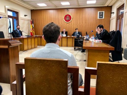 El acusado, este lunes, durante el juicio que se celebra en Palma.