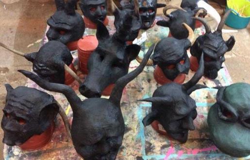 El Auditòrium Sa Màniga acoge este taller de máscaras de carnaval.