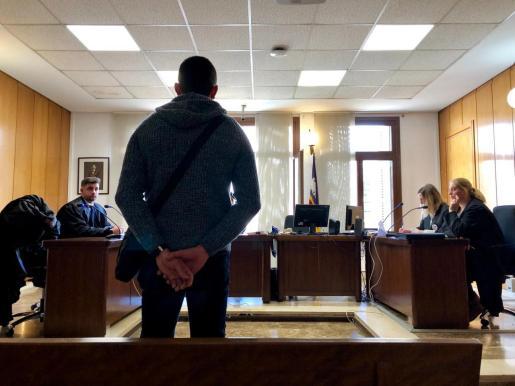 El acusado, de 26 años, recibió hasta 66 expedientes disciplinarios en el ámbito penitenciario.