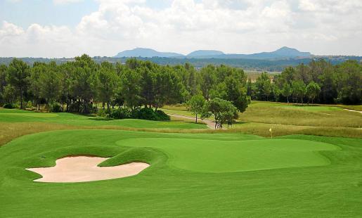 El Consell se basó en una argucia urbanística para tratar de impedir la construcción del hotel, pero los tribunales han dado la razón a la promotora y lo que tenía que ser un campo de golf ha terminado siendo un equipamiento con oferta complementaria.