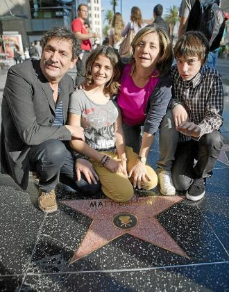 Agustí Villaronga, Marina Comas, Isona Passola y Francesc Colomer, en el Paseo de la Fama