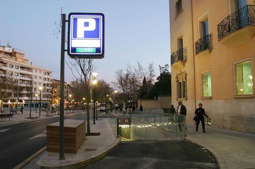 El aparcamiento de Via Roma es uno de los que cuentan con tarifa plana.
