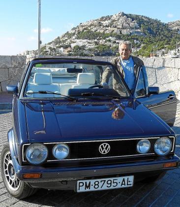 Jaime Salvá cuida con esmero este Golf Cabrio que compró a su mujer y que ahora espera sea para su nieta