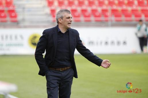 El entrenador de la Arandina, Javier Álvares de los Mozos.