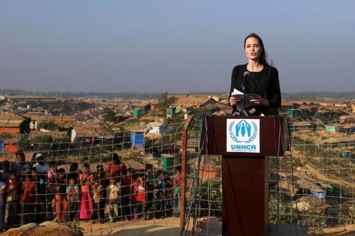 Angelina Jolie ha visitado los campamentos de rohinyà en Bangladesh.