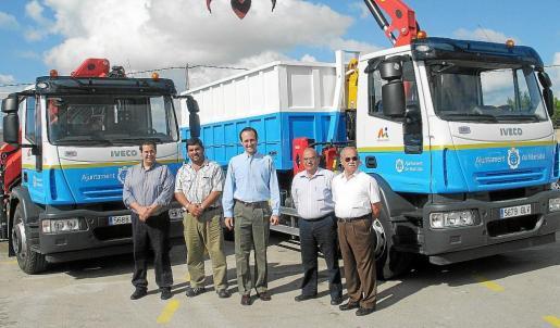 Imagen del anterior Consistorio en la presentación de nuevos vehículos para el mantenimiento de la vía pública.